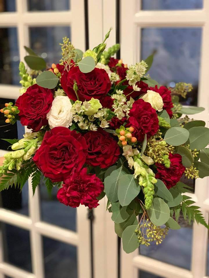 Bridal Bouquets for December 2018 Weddings at Flowers and Greens